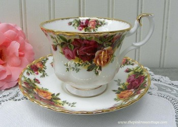 "PUODELIS DUO ROYAL ALBERT ""OLD COUNTRY ROSES"", 1 vnt , KAULINIS PORCELIANAS"