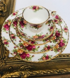 "ROYAL ALBERT RINKINYS ""OLD COUNTRY ROSES"", 1 asm, KAULINIS PORCELIANAS"