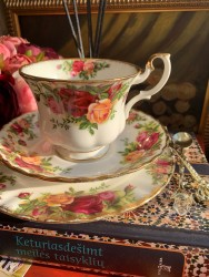 "ROYAL ALBERT PUODELIO TRIO ""OLD COUNTRY ROSES"", 1 vnt, KAULINIS PORCELIANAS"